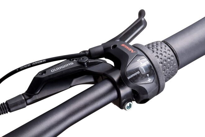 products 12 amsterdam commuter bike close up grip shifter