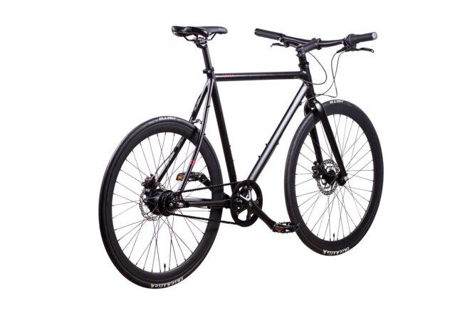 products 6 amsterdam commuter bike matt black 8 chain drive rear view